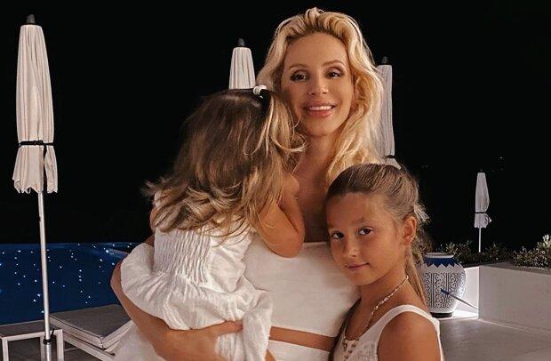 Светлана Лобода с дочками, фото с Instagram