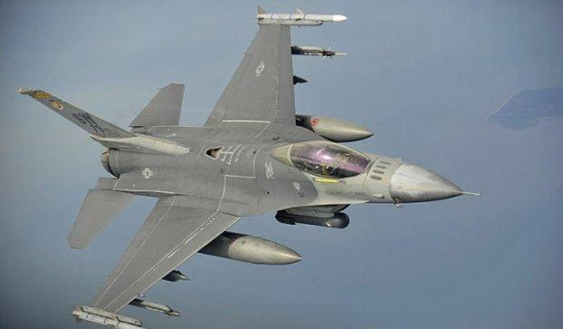 Американський військовий літак розбився на півдні Німеччини (фото)