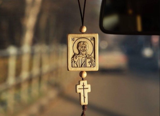 Бог простить, а депутати - ні: водіїв без ікон почнуть штрафувати, пік маразму