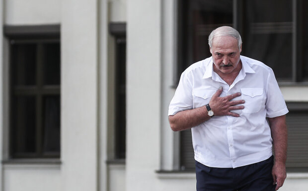 Лукашенко на встрече с митингующими, скрин с фото