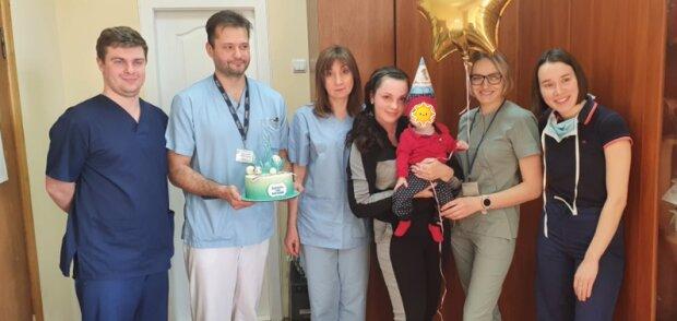 Львівські лікарі рік рятували хвору дитину, фото: офіційний сайт Львівської дитячої лікарні