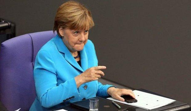 Меркель закликала терміново провести саміт щодо біженців