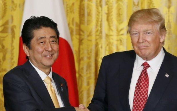 Трамп обговорив з японським прем'єром підготовку випробувань КНДР