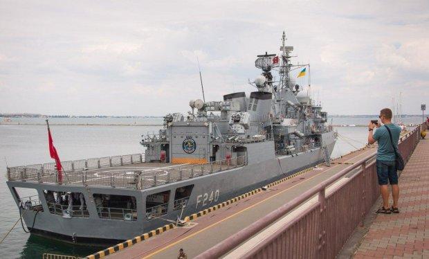 Одесу заполонили бойові кораблі НАТО: шах і мат, Путін