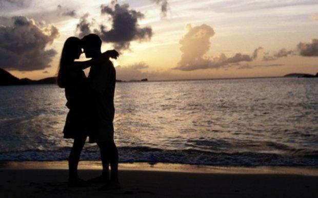 На Гоа туристам запретили целоваться