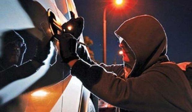 Київ тероризують нічні автокрадії