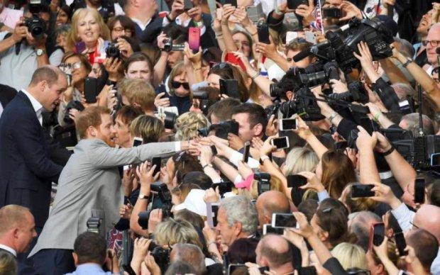 Королівське весілля: знаменита парочка відзначилася британською швидкострільністю