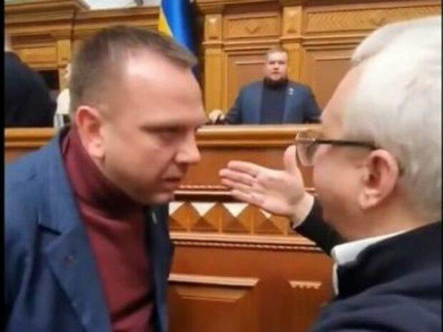 """""""Слуга народу"""" погрожував """"дати п*зди"""" нардепу Кучеренку: чим ще прославився скандальний Ткаченко"""