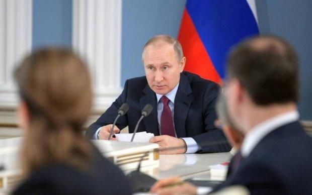 """На КремльТВ резко """"забыли"""" об Украине"""