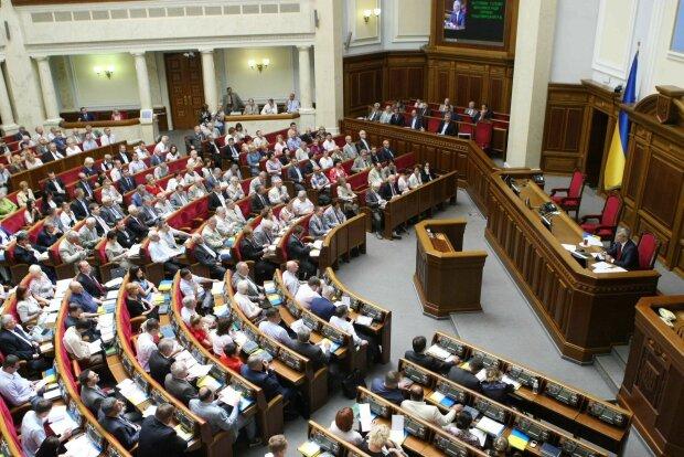 У Зеленского будут принимать законы без Громадской Рады: чем это грозит