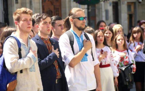Все, крім байдужості: як росіяни відреагували на українську вишиванку