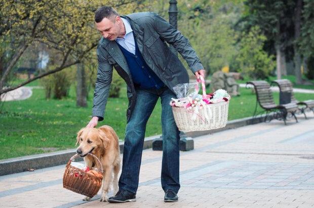 """Кличко показав киянам наймилішого вірянина: """"З Великоднем!"""""""