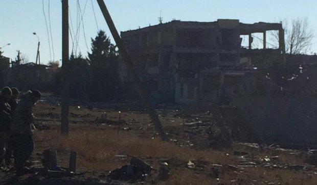 Пиротехники обследуют эпицентр взрыва в Сватово