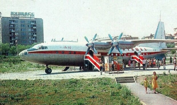 Літак-кафе, фото з вільних джерел