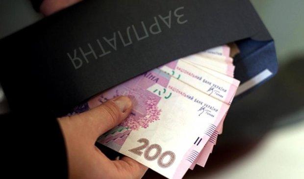 За драконівські штрафи для бізнесу розплачуються наймані працівники