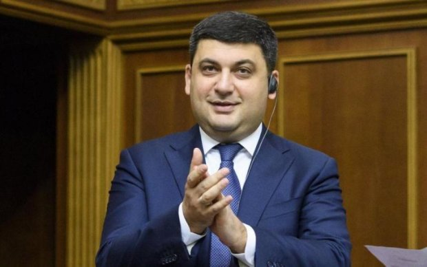 Бэби-боксы и няни: Гройсман позарился на украинских детей