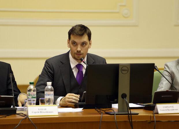 Алексей Гончарук, Кабмин