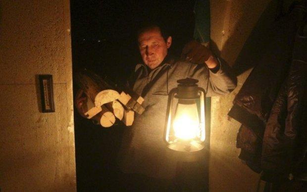 Україна припинила подачу електрики на Донбас