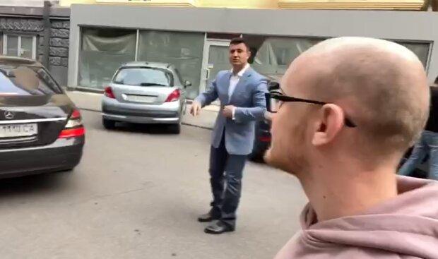 Тищенко рассказал, как любит ездить в маршрутках, садясь в черный мерседес