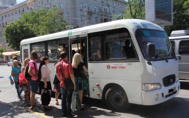 """""""Кричал очень сильно"""": гнилые украиснкие маршрутки калечат детей"""