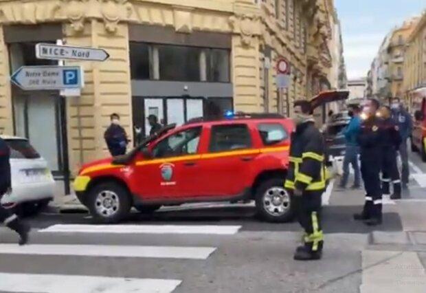 В курортной Ницце отрезали голову женщине и закололи мужчину прямо возле церкви, детали теракта