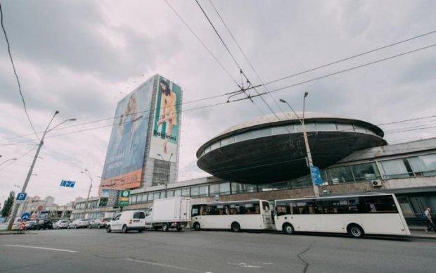 Кличко отдал под торговый центр одно из известнейших зданий Киева