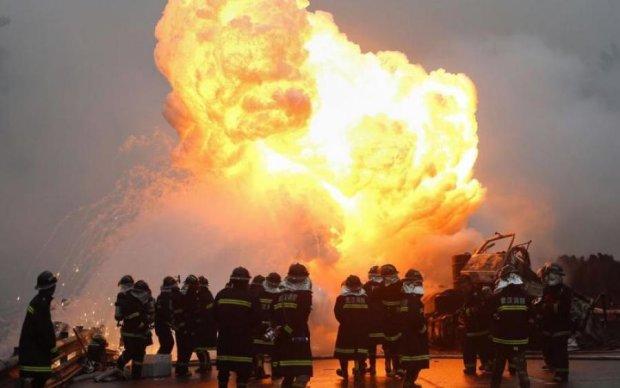 На химическом заводе прогремел взрыв: десятки жертв