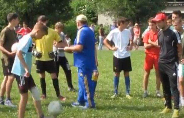 В Тернополе воспитают новых Марадон - держите мяч, ребята