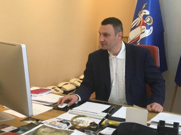 """Кличко обратился к киевлянам из-за массового тестирования: """"Это сложно"""""""
