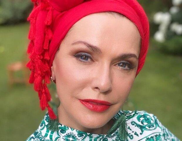 """Ольга Сумська """"залізла"""" в ластівчине гніздо: """"Обожнюю"""""""