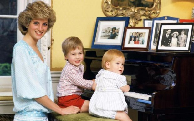 Покойная принцесса Диана незримо присутствовала на свадьбе сына: фото