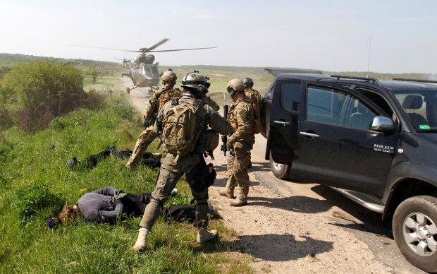 Спецотряд СБУ ликвидировал опасную группировку, хранившую арсенал на целую армию: фото
