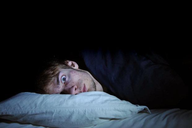 """Почему больным становится хуже по ночам: врачи рассказали о """"подставе"""" организма"""