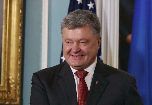"""Порошенко так """"блеснул"""" своими знаниями, что стал посмешищем на всю Украину: """"Шекспир а*уел бы"""""""