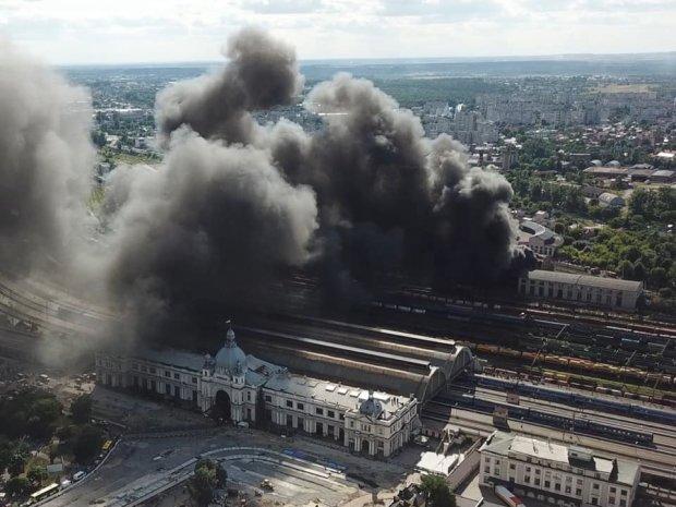 Мощнейший пожар на львовском вокзале наконец потушили: кадры постапокалипсиса