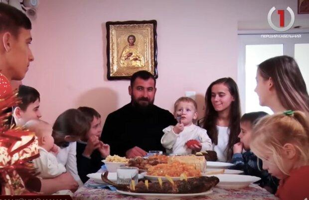 На Закарпатье семья священника воспитывает 12 детей
