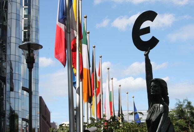 Європарламент закликав ЄС підтримати ініціативу Медведчука щодо досягнення миру на Донбасі