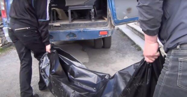 Патологоанатомы за деньги ускоряли выдачу трупов, скриншот: Youtube