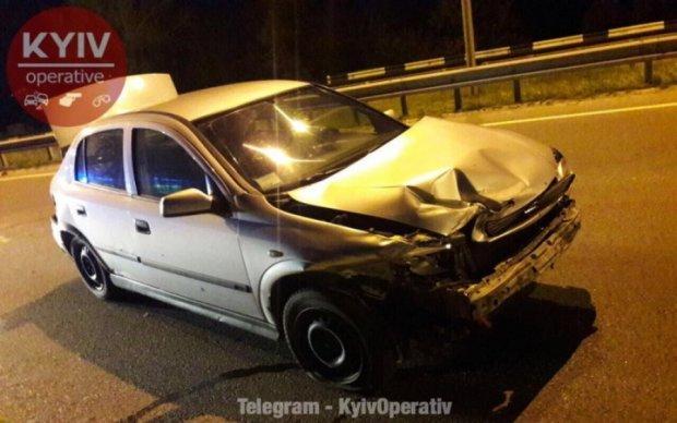Пішохід спровокував моторошну аварію в Києві