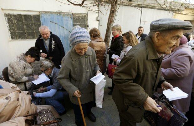 Сиві, щасливі і самодостатні: українцям сказали, як забезпечити свою старість