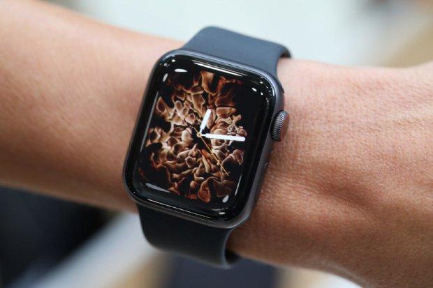 Жертвы неизбежны: врачи предупредили об опасности Apple Watch Series 4