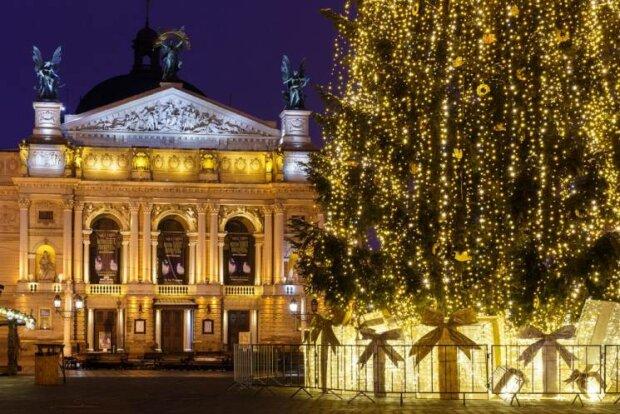 Львів перетворився на смітник після Нового року: огидні наслідки бурхливої вечірки показали всій Україні