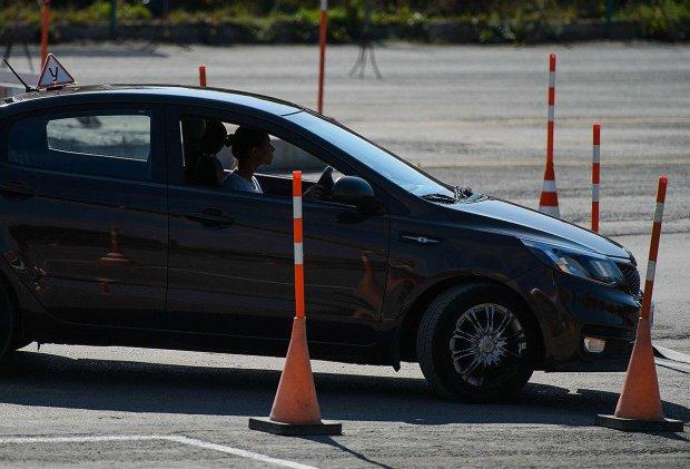 Водії здаватимуть на права по-новому: Кабмін підготував незвичайні зміни