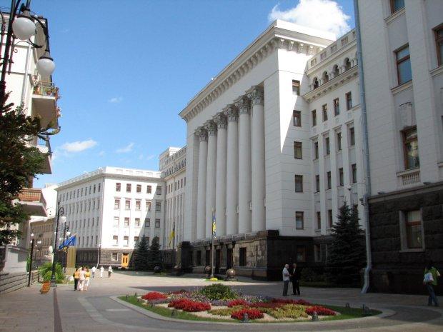 Глава ДУС Іван Куцик закупився Mercedes у Таріела Васадзе: платять українці