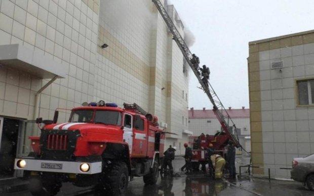 Главное за ночь: пожар в Кемерово и мировой бунт против Facebook