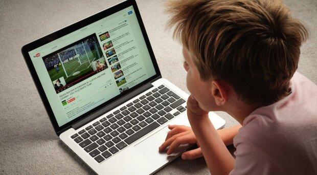"""Комментарий на миллион лайков: YouTube взорвался из-за """"лысого парня"""", впервые в истории"""