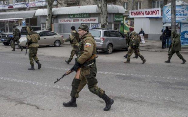 """Гастарбайтери смерті: Кремль позбавив донецьких бойовиків """"громадянства"""""""