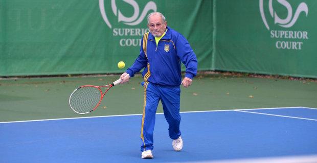 94-летний украинский теннисист вышел на корт и побил невероятный рекорд: видео