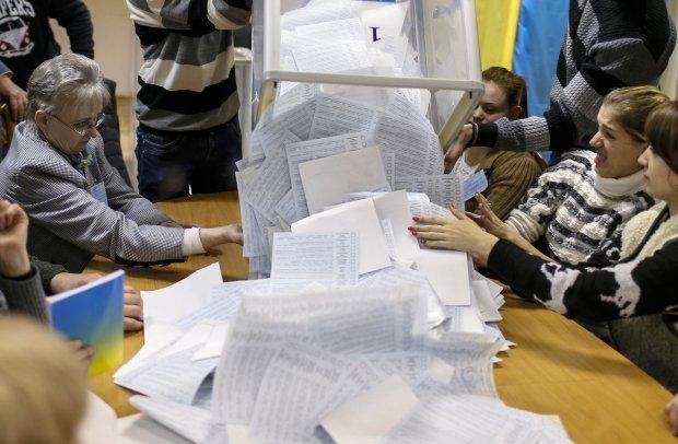 Українцям за кордоном пояснили, як проголосувати на виборах 2019: слизькі нюанси