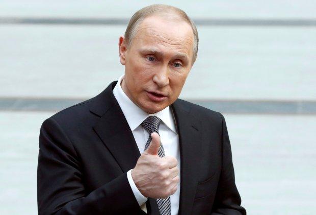 """""""Крым – это наше, мы никуда не собираемся. Наше почему? Не потому, что мы пришли и что-то схапали"""": низкие рейтинги напрочь сломали мозг Путина"""